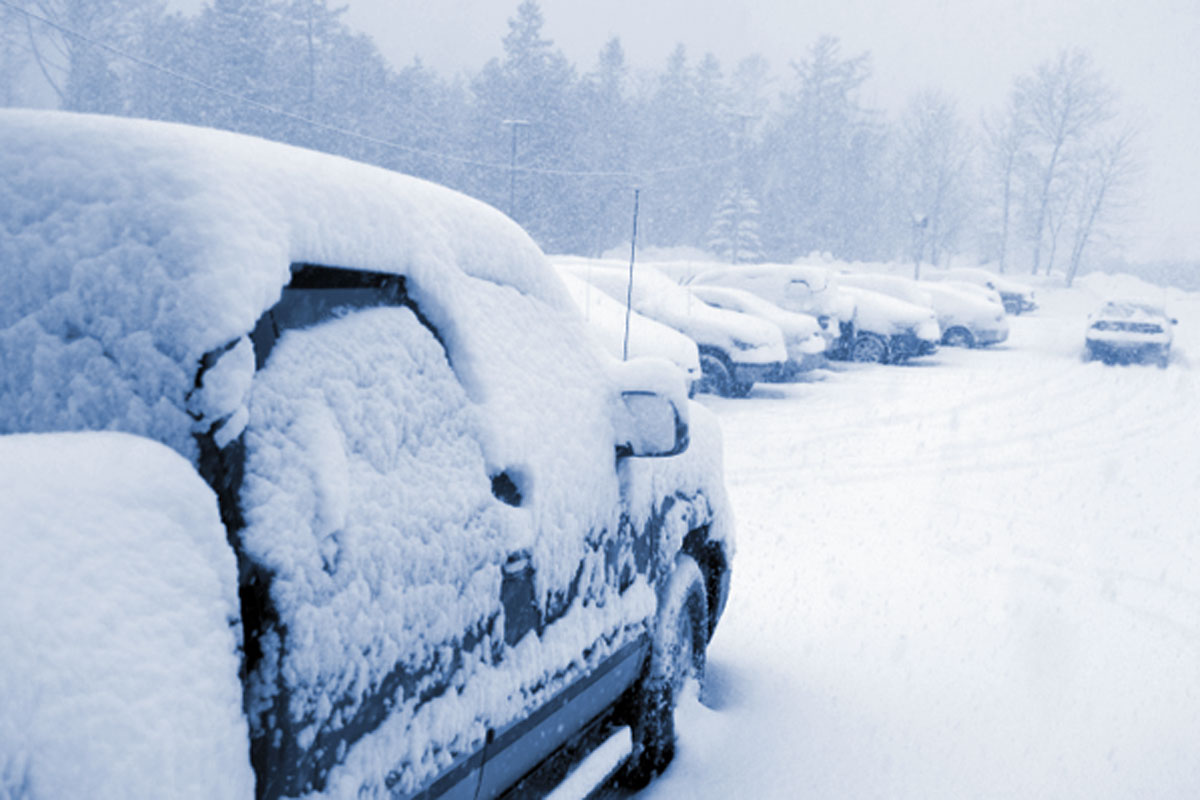 cars in snow thinkstock 133922184 12001
